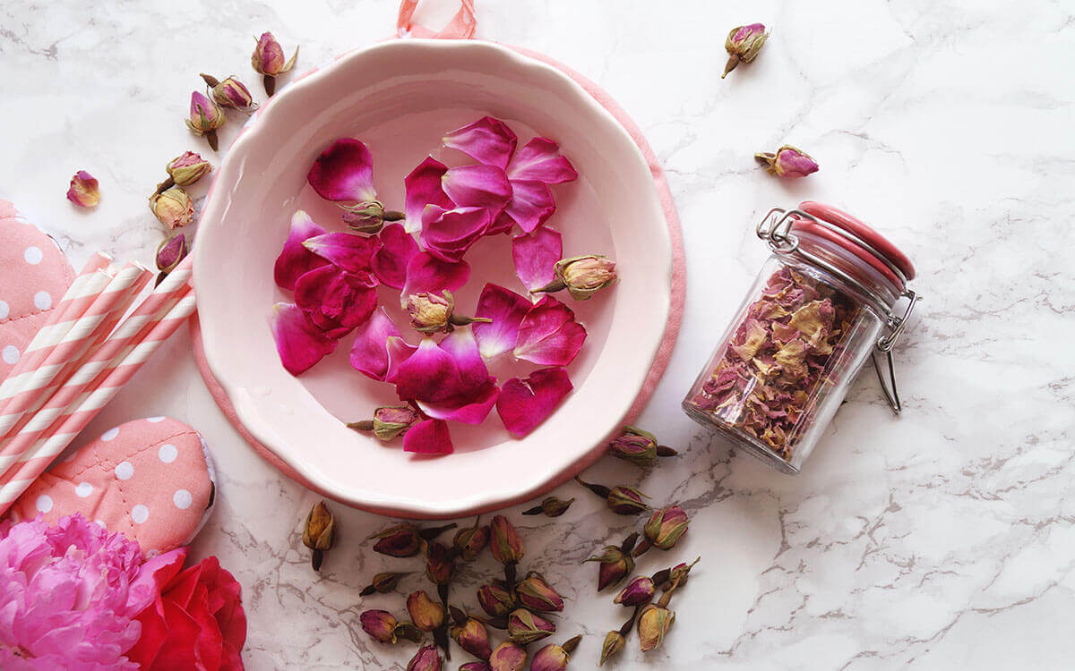 Rosenwasser in der Naturkosmetik